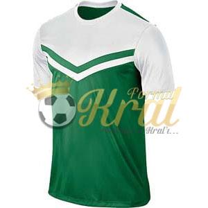 Victory II Yeşil Beyaz Halı Saha Forma + Şort